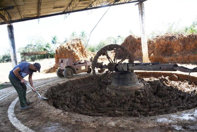 sancti spiritus, promat, materiales de la construccion, precios, tarea ordenamiento, trabajadores por cuenta propia, economia cubana