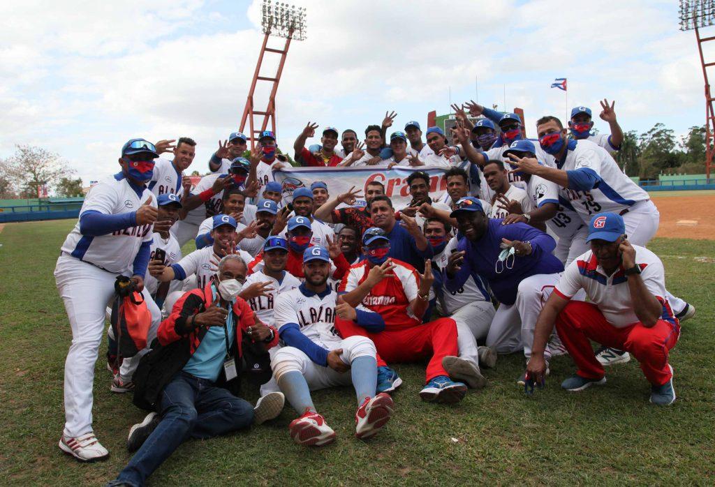 Tres títulos en cinco años colocan a Granma en un pedestal privilegiado en el béisbol cubano. (Fotos: Oscar Alfonso)