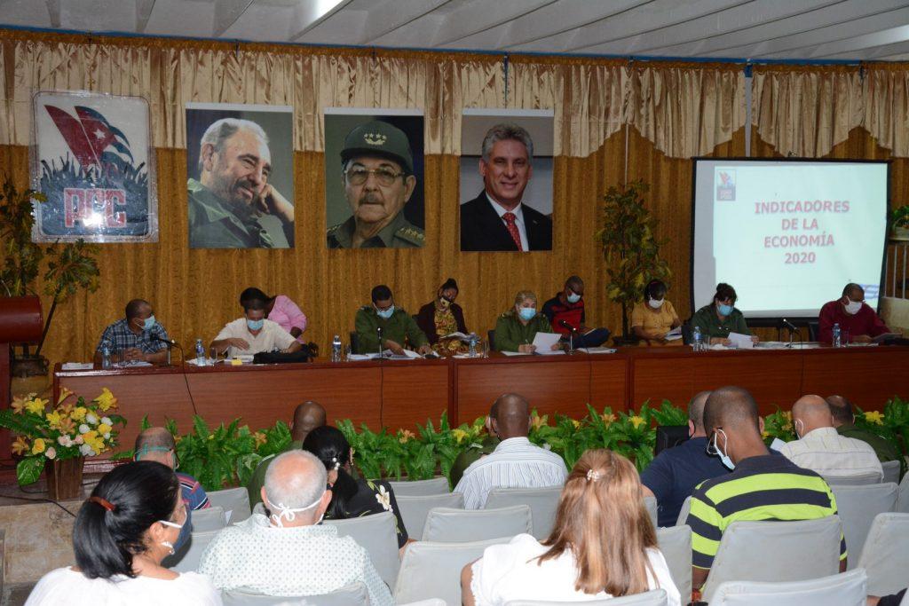 El Comité Provincial del Partido desarrolló este sábado su primer pleno ordinario en el presente año. (Fotos: Vicente Brito / Escambray)