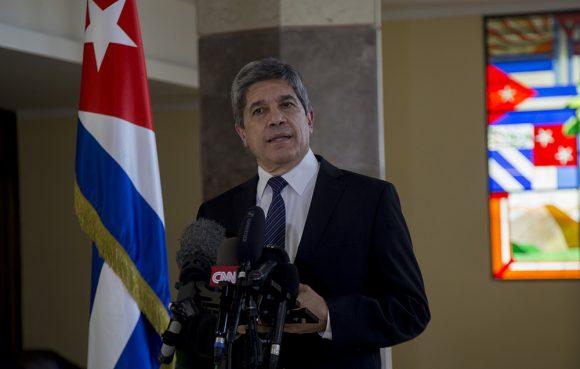 Fernández de Cossío consideró que el citado informe se caracteriza por alegaciones e imputaciones que faltan a la verdad. (Foto: Cubadebate)
