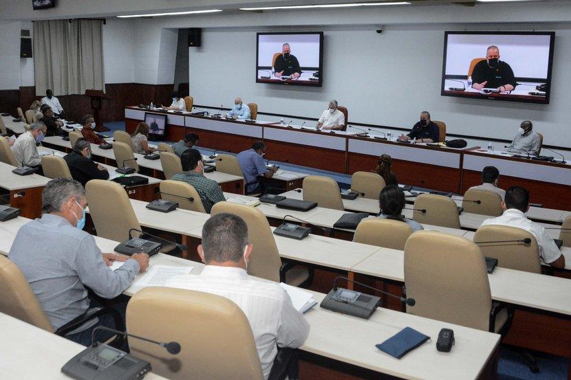 El presidente cubano instó a dinamizar el sector agropecuario. (Foto: Estudios Revolución)