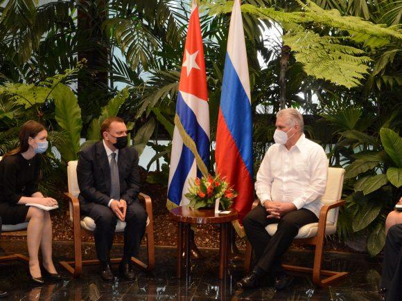 Díaz-Canel recibió al Vicepresidente del Gobierno de la Federación de Rusia, Yuri Borísov. (Foto: Estudios Revolución)