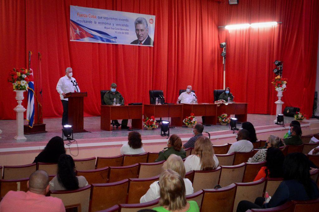 El Primer Secretario del Comité Central del Partido intervino en el Pleno Extraordinario del Partido en Cienfuegos. (Foto: Estudios Revolución)