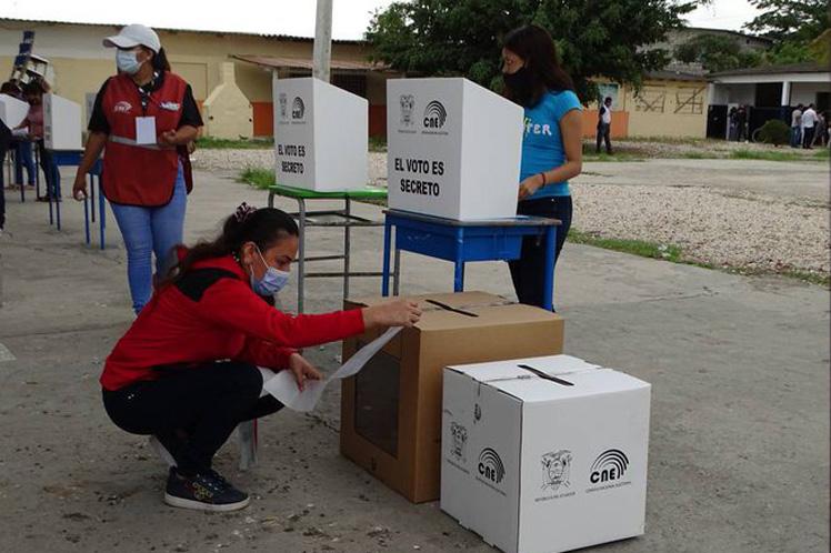 Las 24 provincias del país desarrollaron esta semana un simulacro electoral. (Foto: PL)