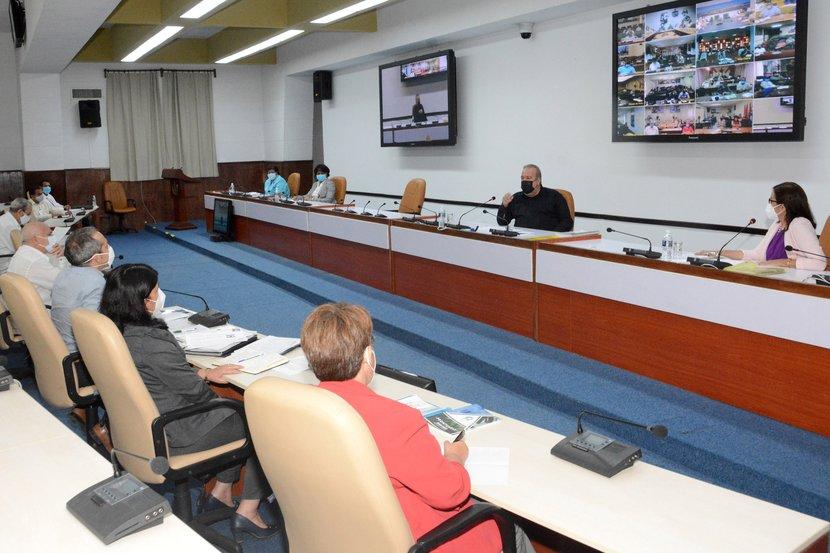 """""""Es vital desarrollar la ciencia, la tecnología y la innovación en lo local"""", insistió Manuel Marrero. Foto: Estudios Revolución."""