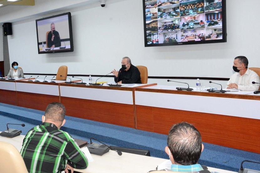 Manuel Marrero encabezó la sesión de trabajo que evaluó objetivos, metas y proyecciones del Instituto Nacional de Recursos Hidráulicos para el 2021. Foto: Estudios Revolución.