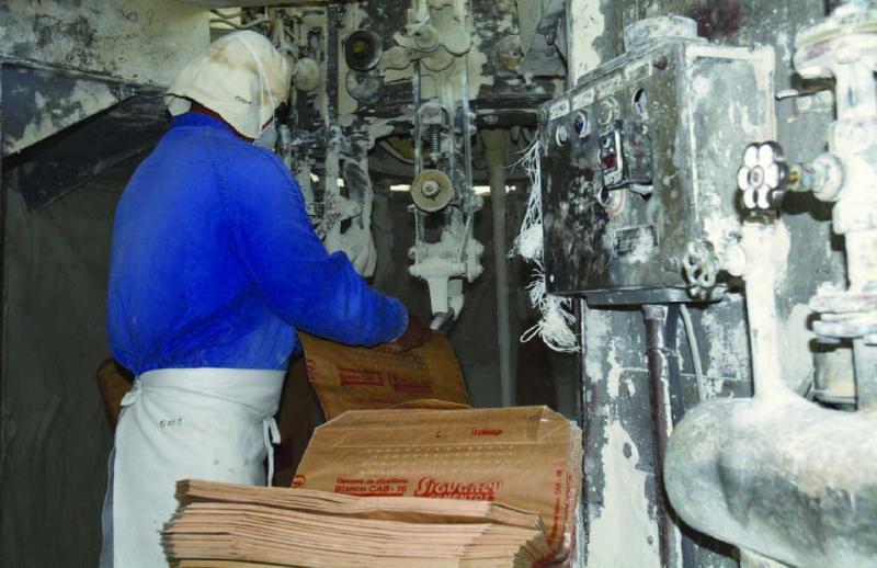 sancti spiritus, economia cubana, fabrica de cemento siguaney, construcciones, construccion de viviendas