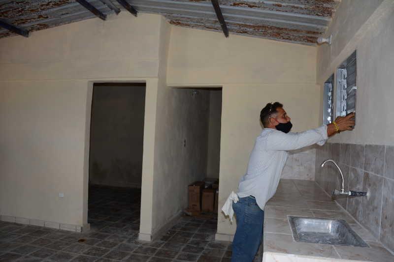 En Camaján, un vecindario insalubre de Yaguajay, se adaptan viviendas para una docena de familias.