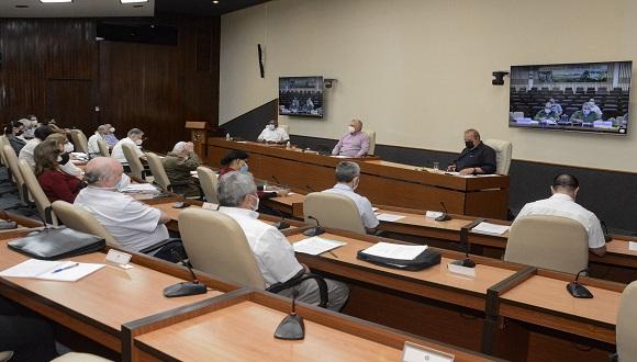 En el encuentro se confirmó que la tendencia creciente de casos confirmados debe mantenerse en las próximas semanas. (Foto: Estudios Revolución)