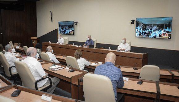 Encuentro virtual del presidente cubano con colaboradores de brigadas Henry Reeve. (Foto: Presidencia Cuba/Twitter)