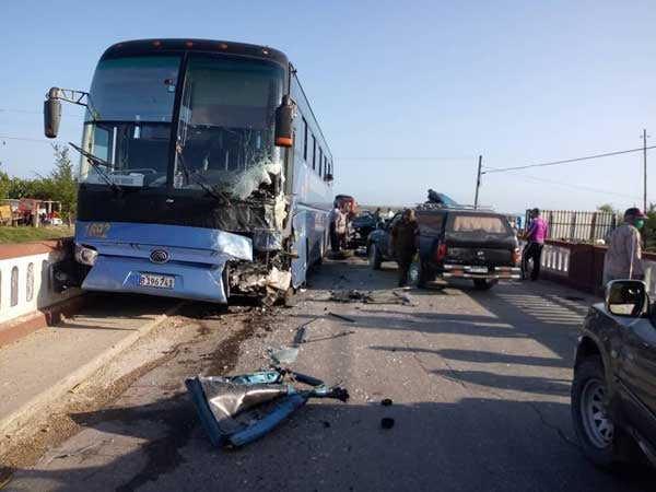 sancti spiritus, accidente de transito, jatibonico, omnibus yutong