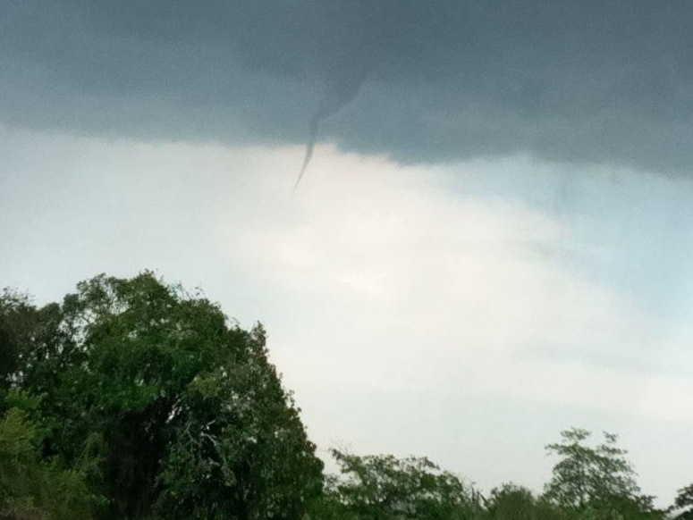 sancti spiritus, tormenta local severa, vientos, centro meteorologico provincial