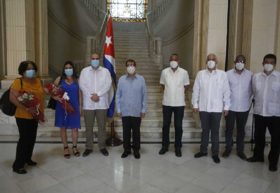 cuba, colombia, diplomaticos cubanos, minrex