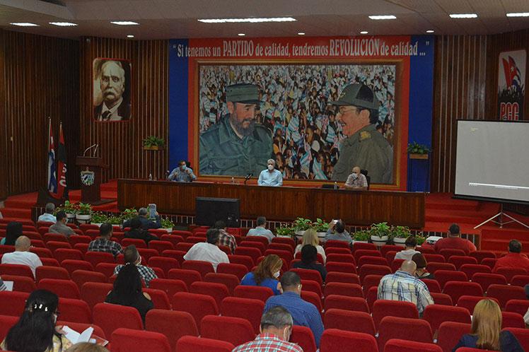 El máximo dirigente partidista del país explicó las complejidades de la situación actual de la nación caribeña. (Foto: PL)