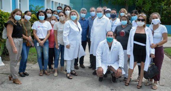 Parte del equipo de científicos que lideró las investigaciones de Soberana 02. (Foto: Estudios Revolución)