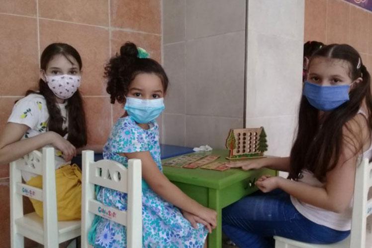 La Fase II implica a voluntarios de 12 a 18 años, previsto en tres sitios clínicos de La Habana. (Foto: PL)
