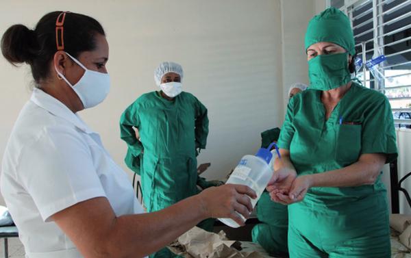 El estricto cumplimiento de los protocolos resulta vital para contener la pandemia. (Foto: Oscar Alfonso Sosa)