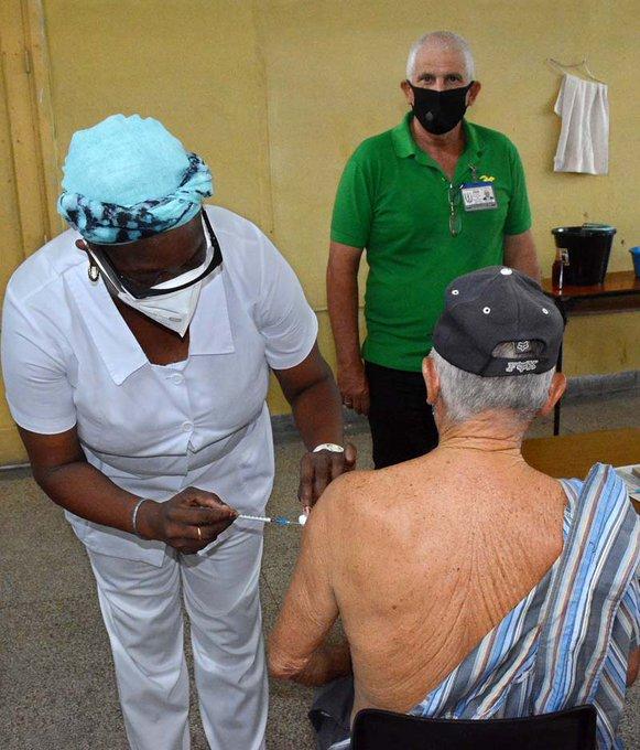 En el encuentro se informó que se han administrado más de siete millones 600 mil dosis de los inmunógenos cubanos.