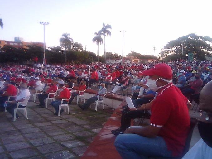 Los participantes rechazan los actos vandálicos del pasado domingo. (Foto: Orlando Suárez)