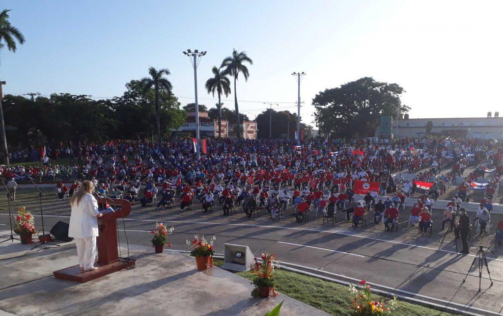 """""""Nuestros problemas se resuelven entre cubanos con Revolución"""", aseguró Deivy Pérez Martín. (Foto: Juan Carlos Castellón)"""