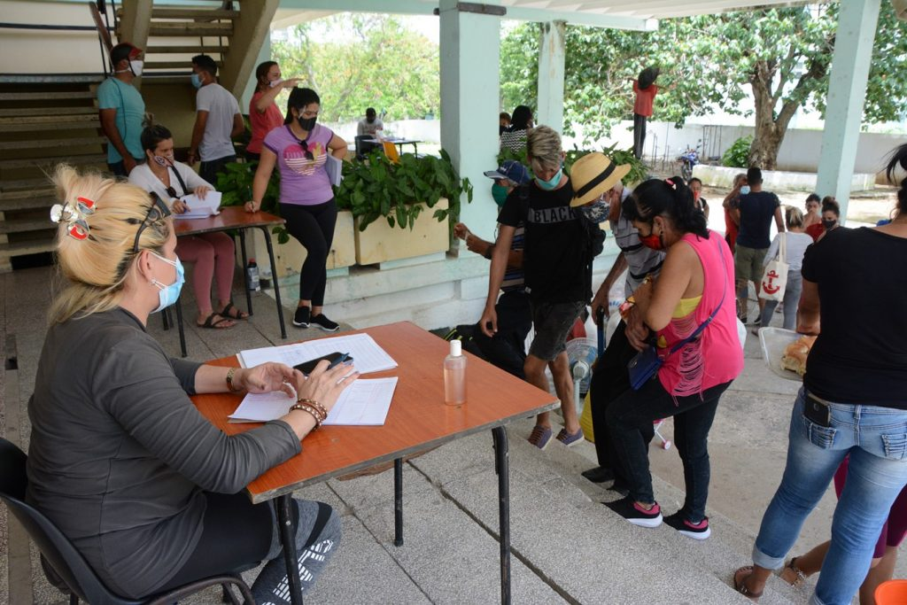 Lugares seguros de Sancti Spíritus, Guasimal, Paredes y Banao acogen los evacuados de la zona sur espirituana. Foto: Vicente Brito / Escambray)