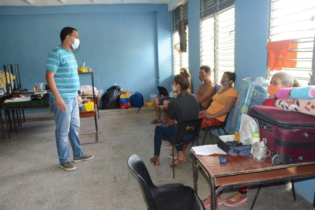 Los evacuados de las comunidades del sur espirituano ya se encuentran en lugares seguros. (Foto: Vicente Brito / Escambray)