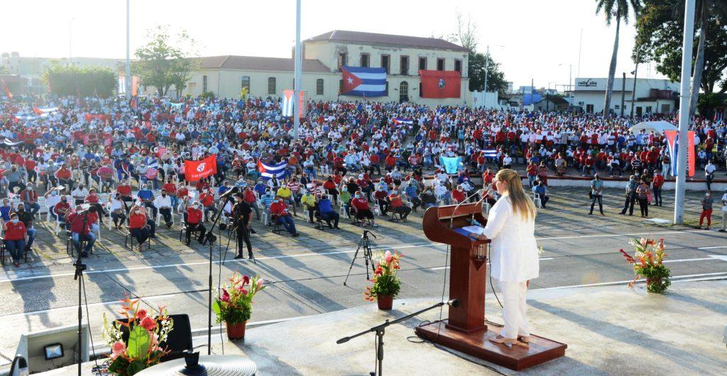 Deivy Pérez Martín recordó el peligro que representa prestarnos a las campañas enemigas o pecar de ingenuos ante sus afanes.