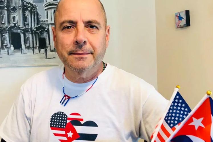 Todos los que estén a favor de eliminar las sanciones contra la familia cubana son bienvenidos, aseguró Lazo. (Foto: PL)