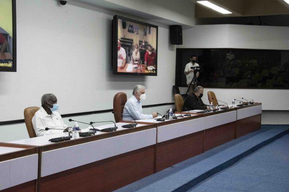 Reunión del grupo de trabajo temporal del gobierno para el enfrentamiento a la COVID-19. (Foto: Estudios Revolución)