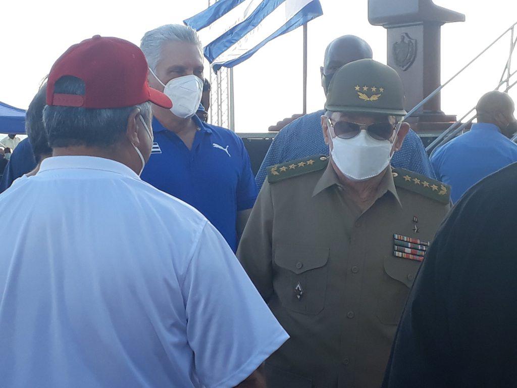 El General de Ejército Raúl Castro estuvo presente junto a Díaz-Canel y más de 100 mil habaneros.