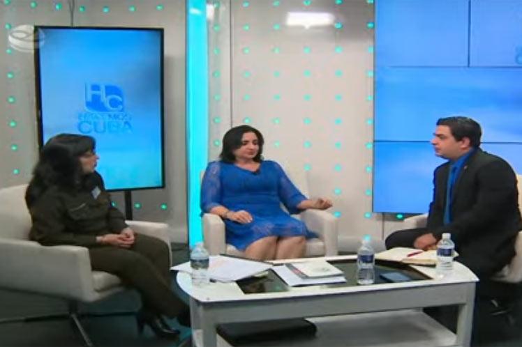 Representantes del Minint y la Fiscalía intervinieron en el programa Hacemos Cuba de la Televisión nacional. (Foto: PL)