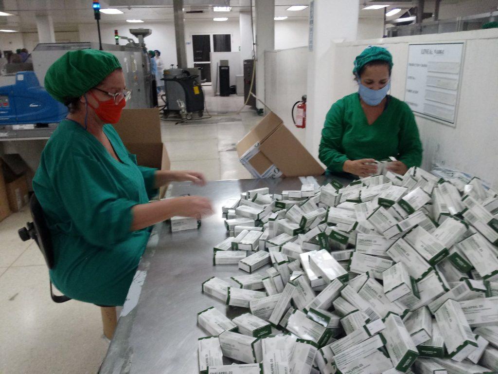 Medsol trabaja en turnos de 24 horas para no detener la producción. (Foto: @giselagarciantv)