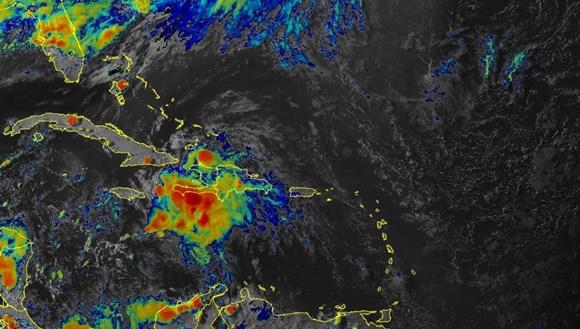 A las seis de la tarde, el centro del ciclón tropical Elsa estaba situado a unos a 265 kilómetros al este de Kingston, Jamaica, y a unos 435 kilómetros al sudeste de cabo Cruz, Granma.