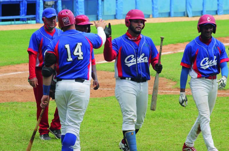 El torneo beisbolero caribeño empezó como una cosa y terminó como otra.