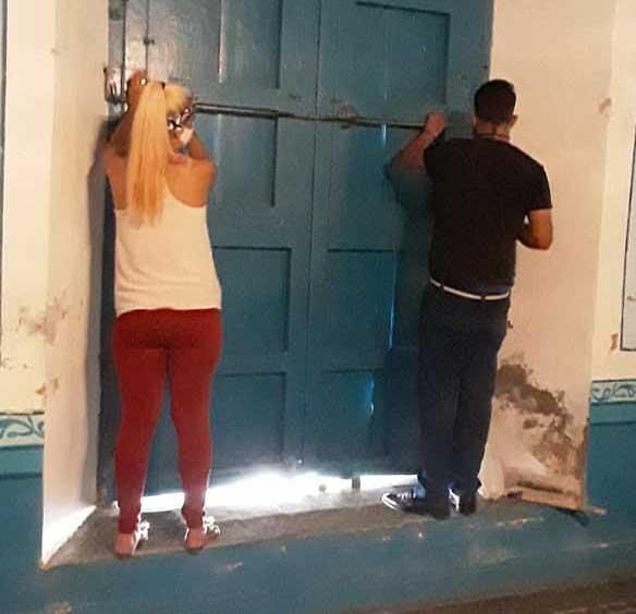 Todas las puertas y ventanas de las instituciones patrimoniales se han fijado. (Foto: Tomado de Facebook)