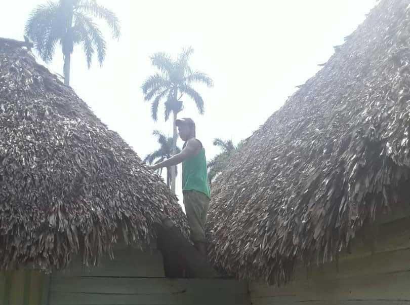 El Museo Campesino de Cabaiguán aseguró su techo de guano y madera. (Foto: Tomado de Facebook)