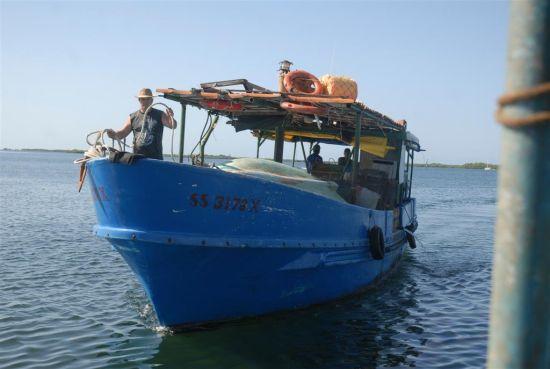 Los barcos pesqueros de la provincia se han movido a sitios seguros.