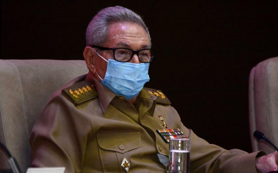 El General de Ejército Raúl Castro participó en una reunión del Buró Político del Comité Central del  Partido Comunista de Cuba. (Foto: Archivo)