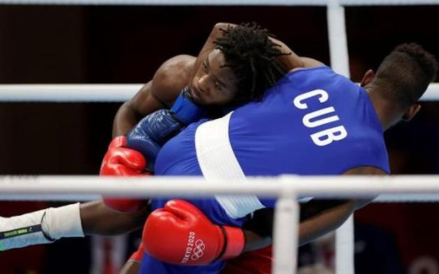 El boxeador Andy Cruz, de Cuba, ganó la medalla de oro en peso ligero masculino (57-63kg). (Foto: Reuters)