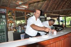 Los trabajadores de San José del Lago poseen un elevado nivel de preparación, básico en la atención al turista. (Foto: Vicente Brito / Escambray)